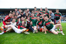 Mayo players celebrate with the trophy 17/6/2018
