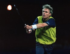 fb8bd9e5f79d9a KPMG Tennis Challenge 22 2 2001