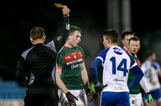 Patrick Durcan is yellow carded for punching Thomas Kerr in the face 4/2/2017