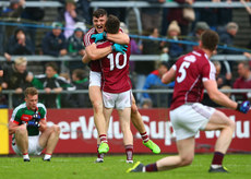 Damien Comer celebrates with Johnny Heaney 11/6/2017